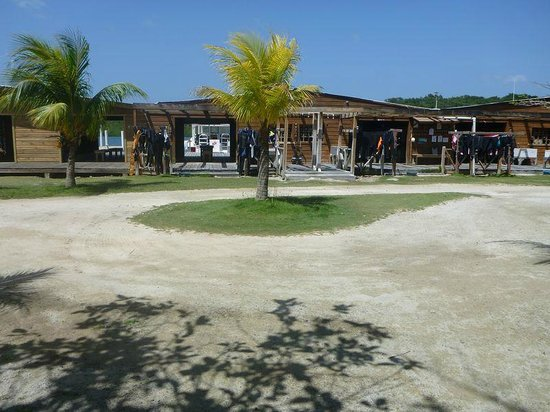 CoCo View Resort: Dive Gear Racks
