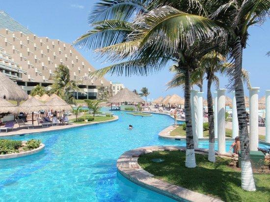 Paradisus Cancun: La splendida piscina