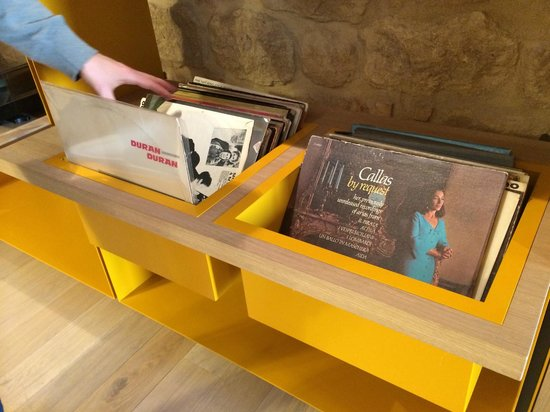 La Bandita Townhouse: Record collection