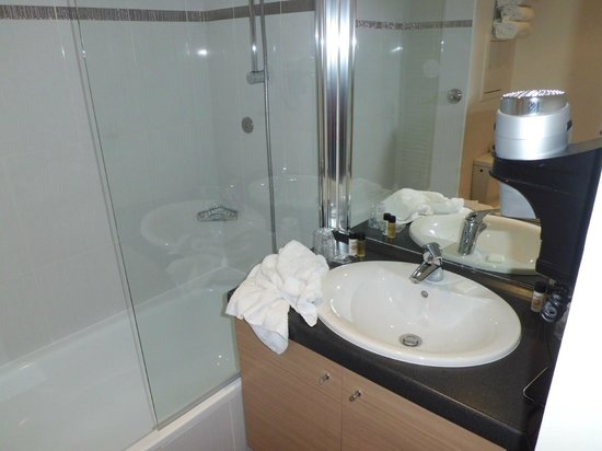 Residhome Appart Hotel Asnieres: Bagno