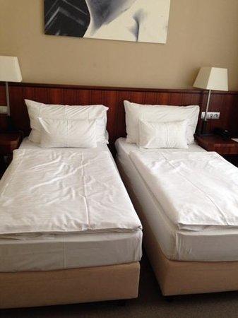 Hotel Sovereign: お部屋、綺麗です。