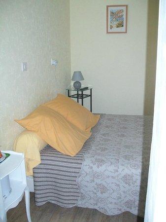hotel au charme du levat : chambre triple