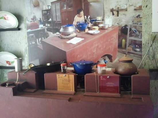 Phuket Thaihua Museum : An old Chinese kitchen