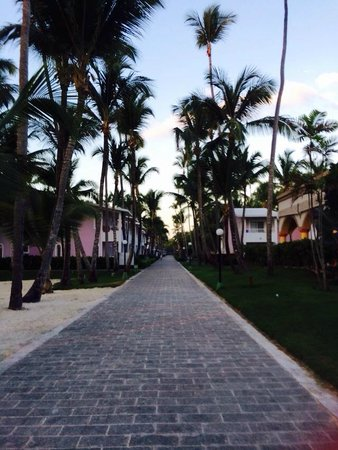ClubHotel Riu Bambu: Walking back to the rooms