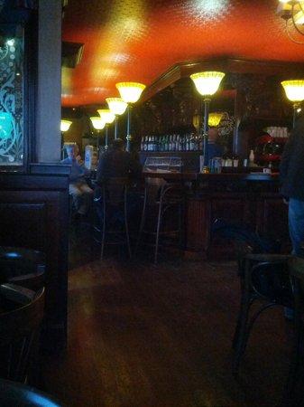 The New Coffee Irish Pub: La barra