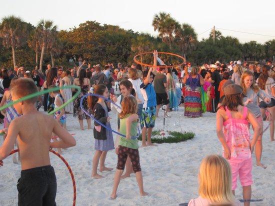 Siesta Beach: Siesta Key Beach Sunset Drum Circle