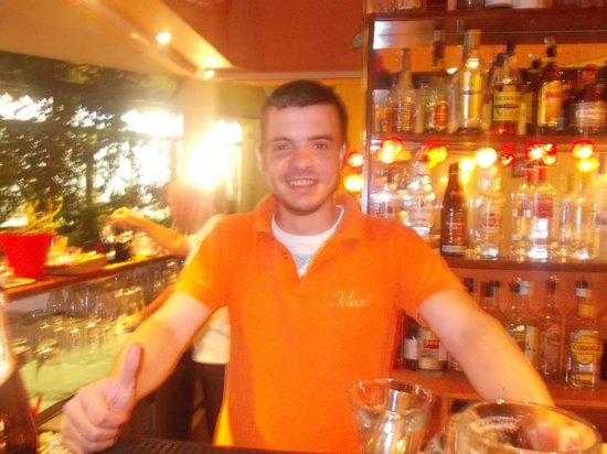 Ideal Hotel Apartments: Pandelis! Best bartender in all of Greece!