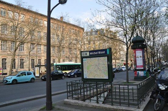 Hôtel L'interlude : B
