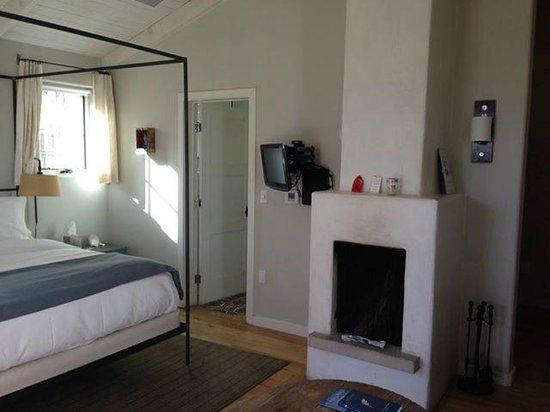 Los Poblanos Historic Inn & Organic Farm: Gaillinero Room