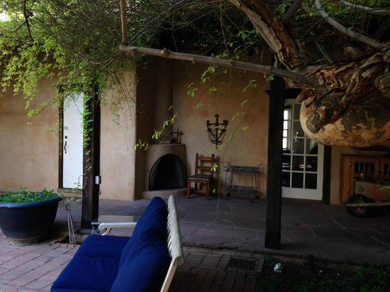 Los Poblanos Historic Inn & Organic Farm: Courtyard