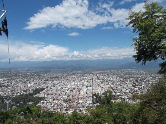 Salta Tram (Teleferico) : Salta, Argentina, Teleférico. Vista de Salta desde Cerro San Bernardo.