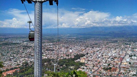 Salta Tram (Teleferico) : Salta, Argentina, Teleférico. Vista de la ciudad desde Cerro San Bernardo.