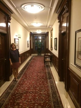 The Imperial Hotel: Passage 1st floor
