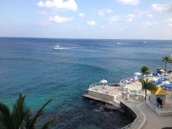 Cozumel Palace: View to from the balcony looking North