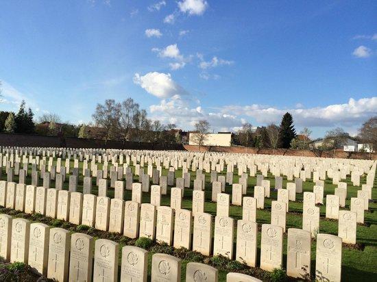 Faubourg-d'Amiens Cemetery : A voir par beau temps