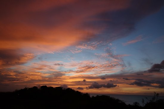 Top O' Tobago Villa & Cabanas: amazing sunset