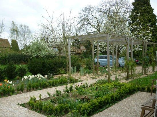 La Parenthèse Normande: le jardin
