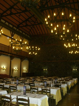 GF Isabel: dining room