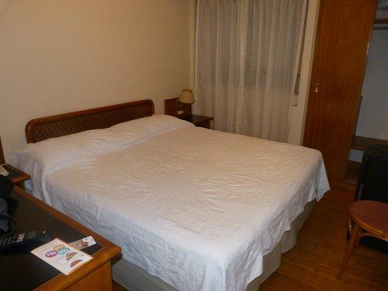 Hotel Sheltown: Cama