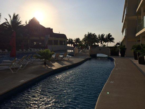 Azul Beach Resort Riviera Cancun : Morning at Sensatori