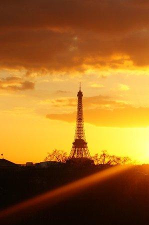 Hotel Brighton - Esprit de France: Sunset of Paris