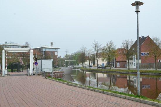 Park Inn by Radisson Papenburg: Vor dem Hotel