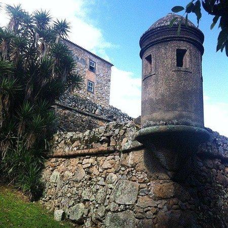 Fortaleza de Sao Jose da Ponta Grossa: Uma das torres de vigia da Fortaleza, logo ao chegar.