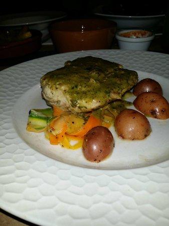 Entre 2: Nuestro pescado con salsa al pesto