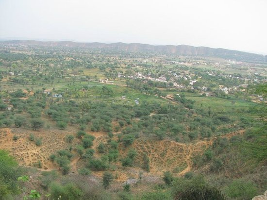 Dausa, Índia: View from hill top