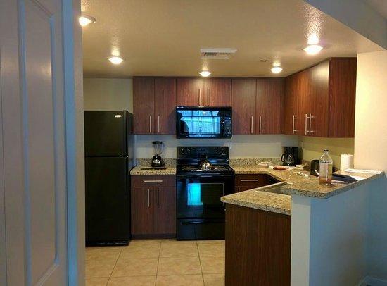 The Grandview at Las Vegas: Kitchen