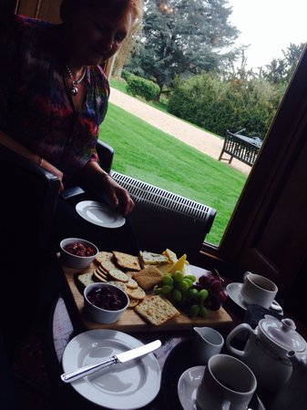 Studley Castle Hotel and Conference Centre: Enjoy views xx cheese platter yum
