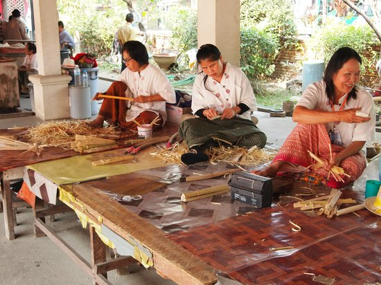 Umbrella Village - Bor Sang: how to make umbrella