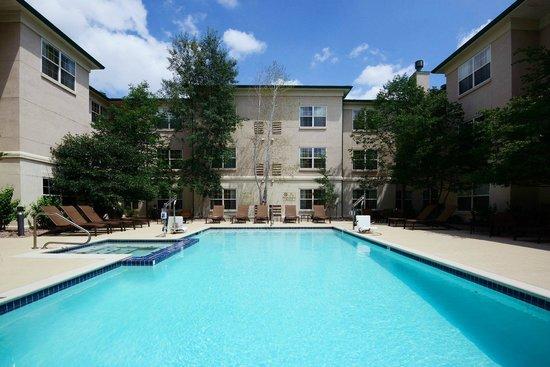 HYATT house Colorado Springs: Courtyard Pool