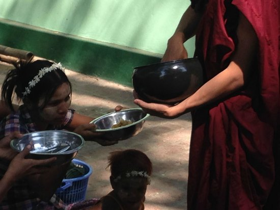 Mahagandayon Monastery : Monks give to others what they don't eat...