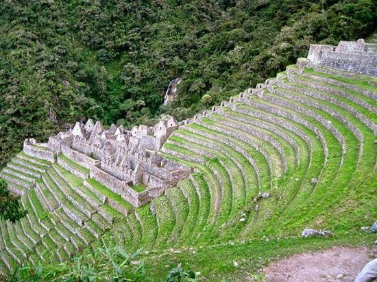 """Inca Trail: Wiñayhuayna (""""Forever Young"""") ruins"""