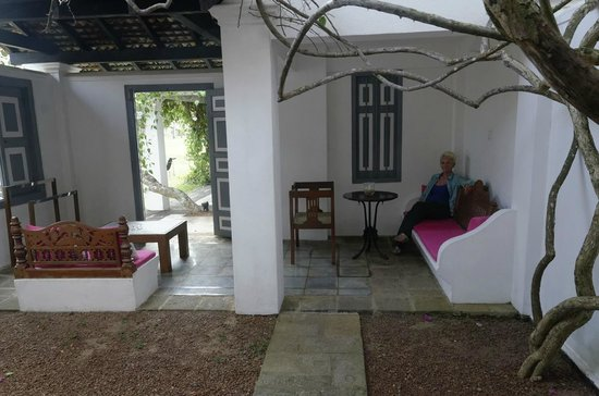 Club Villa: private courtyard garden