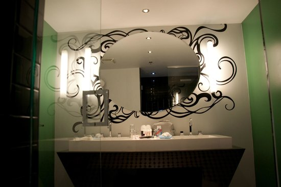 Hotel Chez Swann: grand mirroir