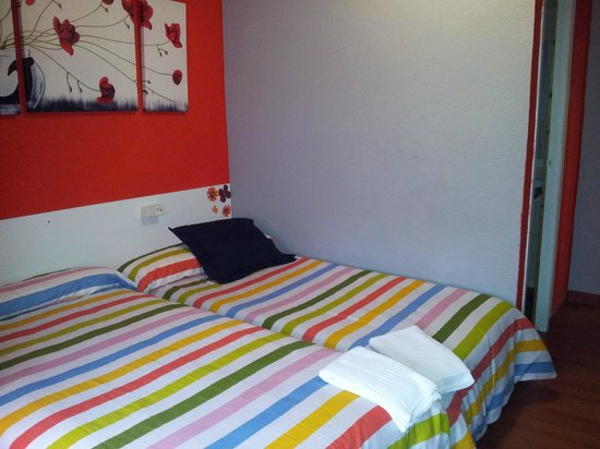 Arjori Rooms Hostal: Doble 2 camas