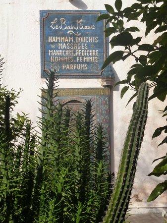 Le Jardin des Biehn: entrée spa