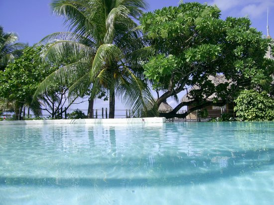 Tikehau Pearl Beach Resort: piscine
