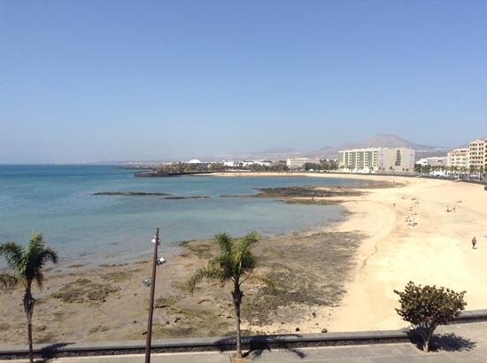Arrecife Gran Hotel: view from the pool bar