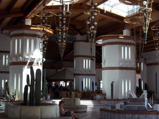 H10 Rubicon Palace: Lobby