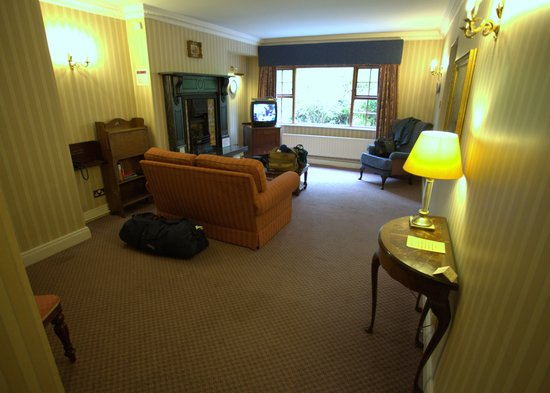 Abbeyglen Castle Hotel : Sitting Room