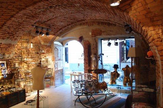 Buza Galery