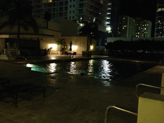 JW Marriott Miami: Pool at night