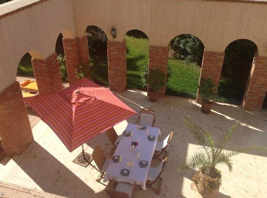Domaine Rosaroum: Terrasse