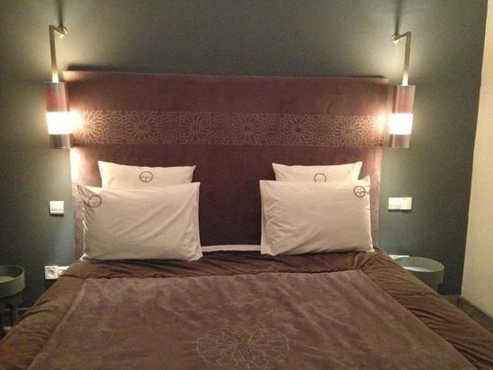 Riad Origines : Le grand lit de notre chambre