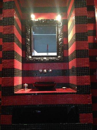 Riad Origines : Salle de bain d'une des chambres