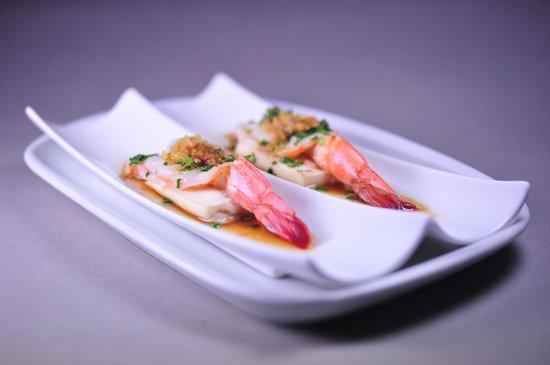 Zen Garden Restaurant : Crevettes royales à la vapeur sur lit de tofu