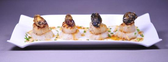 Zen Garden Restaurant : Noix de Saint-Jacques aux morilles et riz gluant